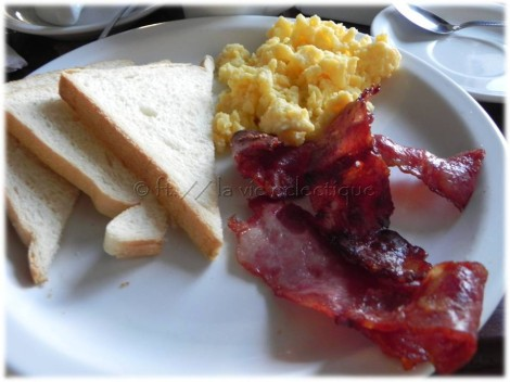 American breakfast = toast, eggs, and bacon.