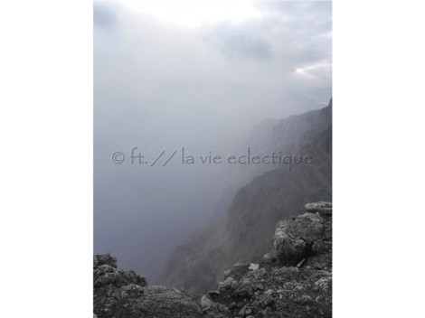 trying to look deep into the masaya volcano