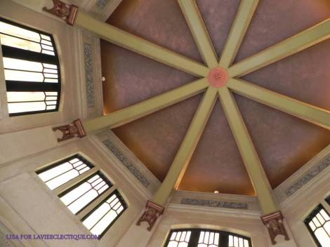 ceiling of the vista house crown point oregon
